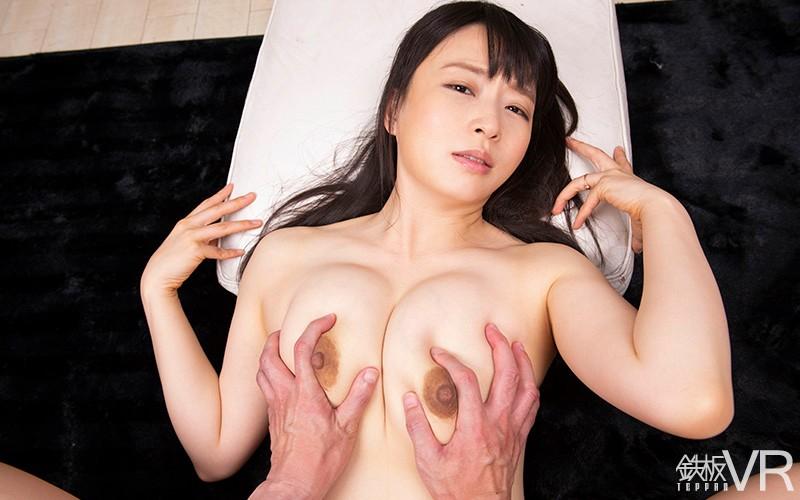 【VR】HQ60fps【母乳】変態人妻 誘惑痴女!「持て余した私の性欲…鎮めてくださいませんか?」の画像